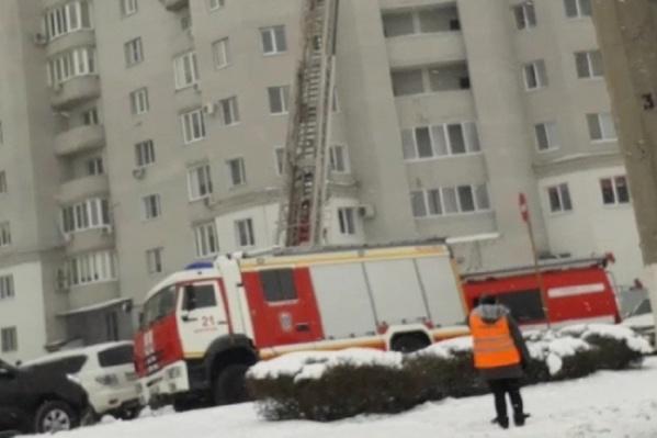 Более 40 человек эвакуировали