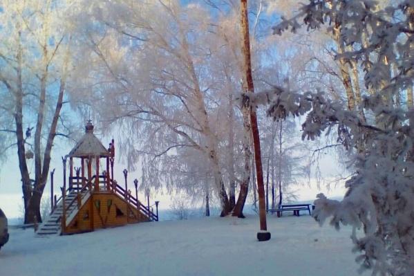 В теплых домиках уютно даже в морозы, а вид из окна просто сказочный