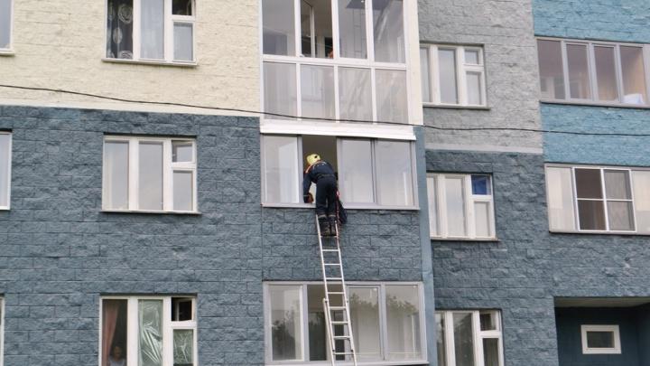 Запертая на балконе уфимка пыталась спуститься по простыне