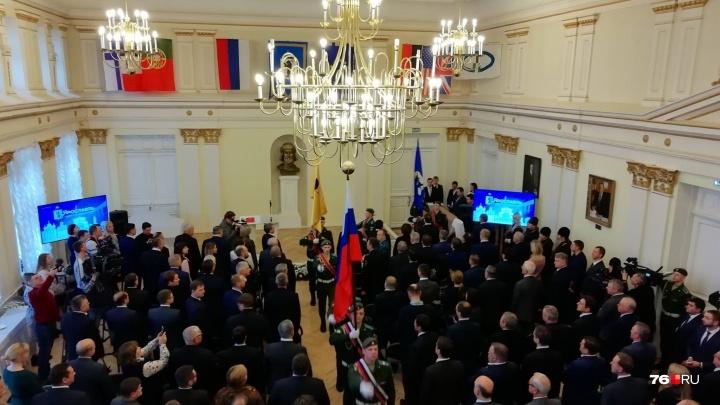 Заглушили сиреной речь митрополита: на инаугурации мэра Ярославля подгорел обед