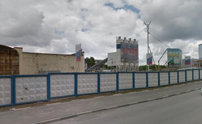 У ростовской компании за долги арестовали BMW, Porsche и пять бетономешалок