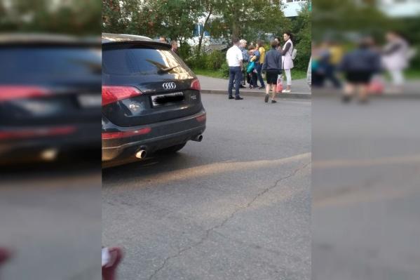 Водитель отвез ребенка в больницу