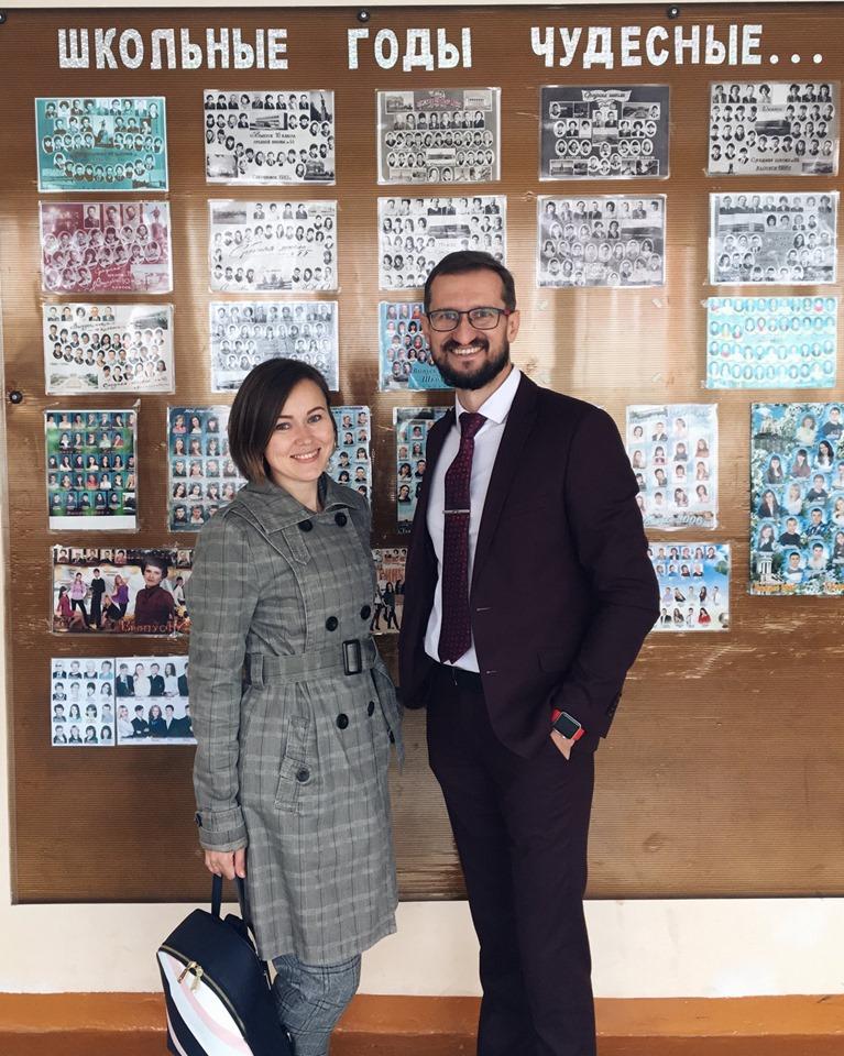 Школа, которой руководит Махновецкий, по статусу хоть и сельская, зато в ней есть инновационная площадка, где дети могут создавать первые серьезные проекты