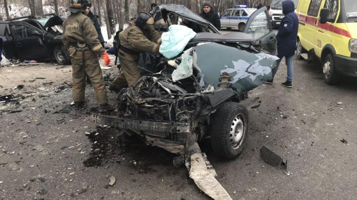 В ДТП на Червишевском тракте под Комарово погибли четыре человека