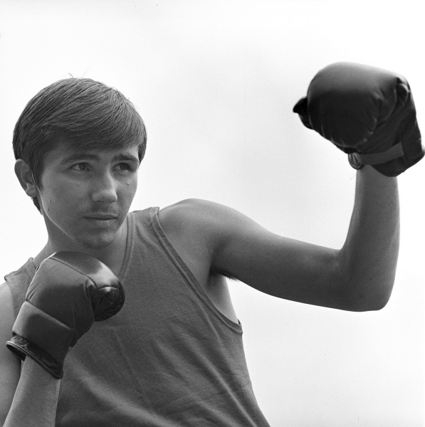 Василий Соломин завоевал титул чемпиона по боксу в 1974 году