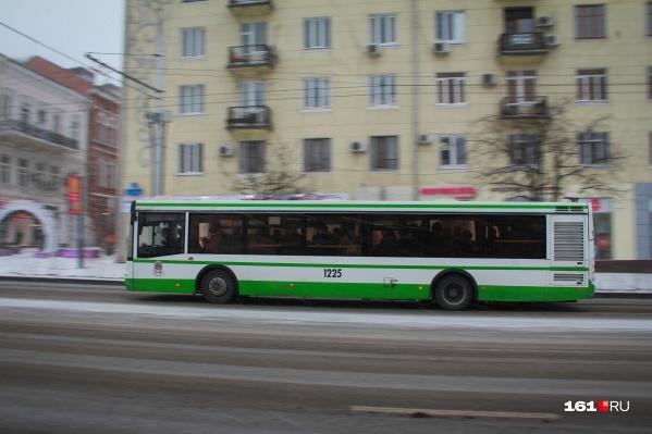 Сейчас в Суворовском микрорайоне работают следующие маршруты: № 18, 27, 43, 1 и 10А