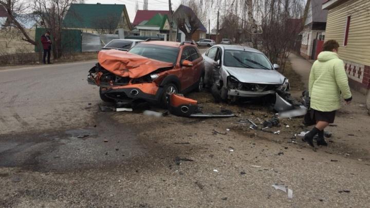 В Башкирии столкнулись две легковушки: пострадала пассажирка