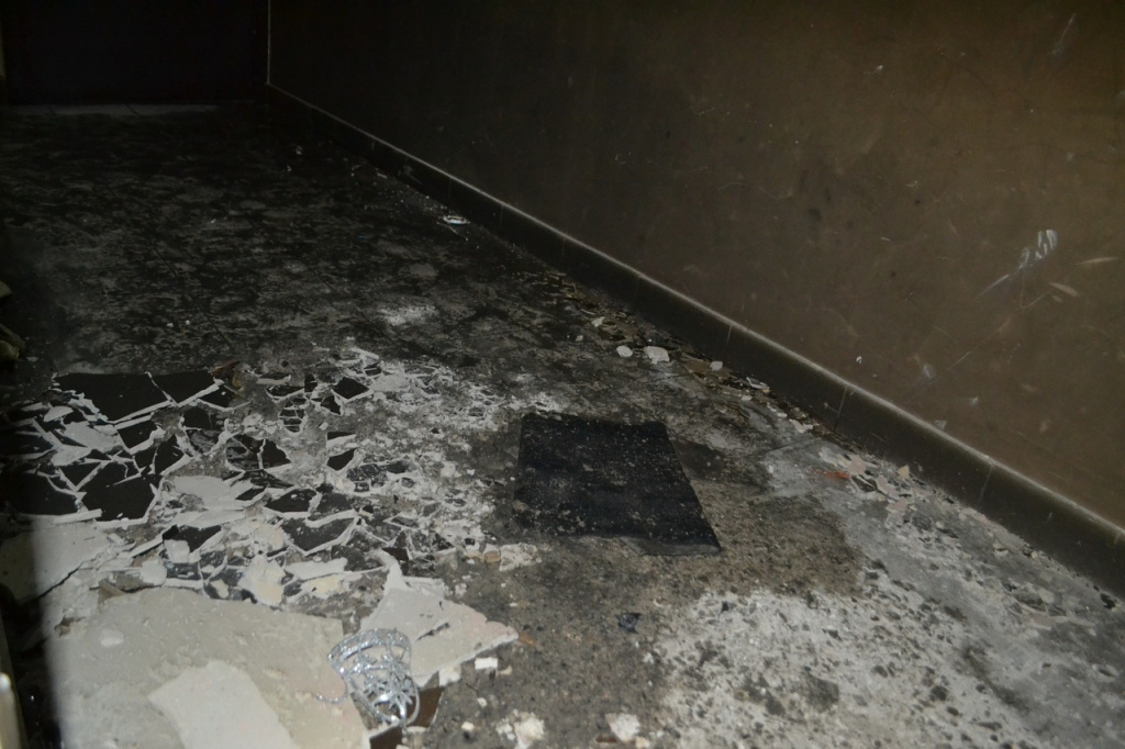 Ущерб от взрыва самогонного аппарата в квартире в Академическом оценили в полмиллиона рублей