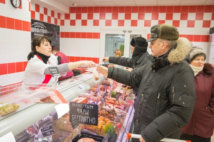 Стоимость сарделек повысилась почти на 4%, отмечает Новосибирскстат