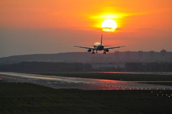 Простым смертным можно попасть на ВПП Кольцово всего пару раз в год — поснимать самолеты