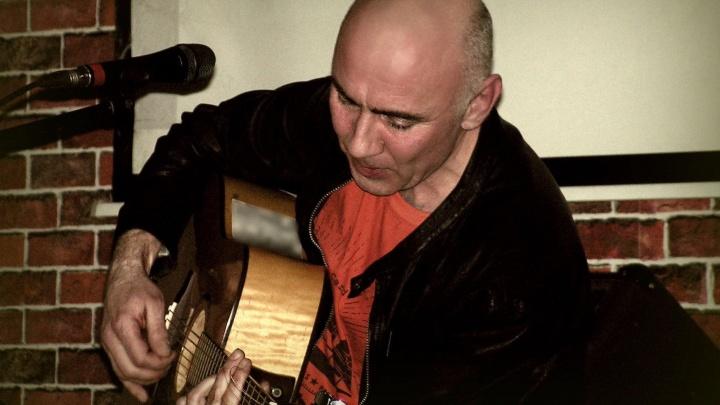 Новосибирский музыкант собрал клип из картин художника из Франции