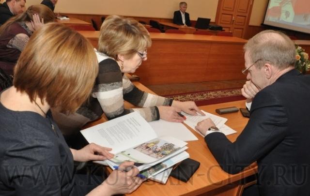 Курганские депутаты изучили успешные практики благоустройства города других регионов