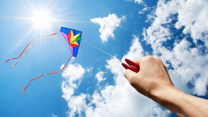 Покоряем небоскрёб, идём на «Безумные дни», запускаем воздушных змеев и ещё 14 идей для выходных