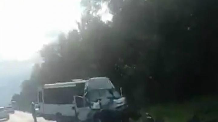 Пассажирка автобуса, разбившегося на границе с Башкирией: «Водитель не спал четверо суток»