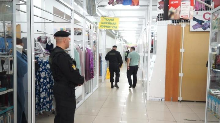 Комплекс магазинов в «Зеленой роще» признан опасным и закрыт