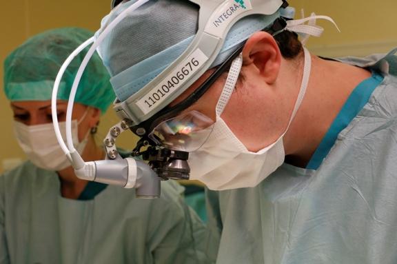 Красноярские кардиохирурги спасли жизнь двух младенцев уникальным способом