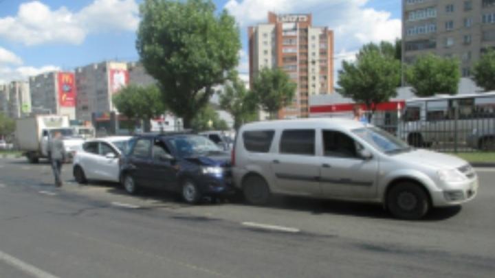 Тройное ДТП в Ярославле: стали известны подробности происшествия