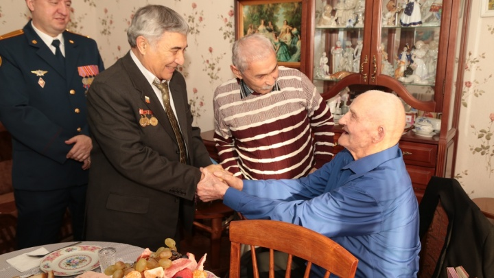 В Омске одному из старейших ветеранов ВОВ исполнилось 100 лет