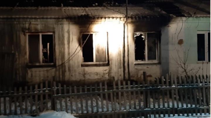 В Зауралье сгорел частный дом. Три человека погибли