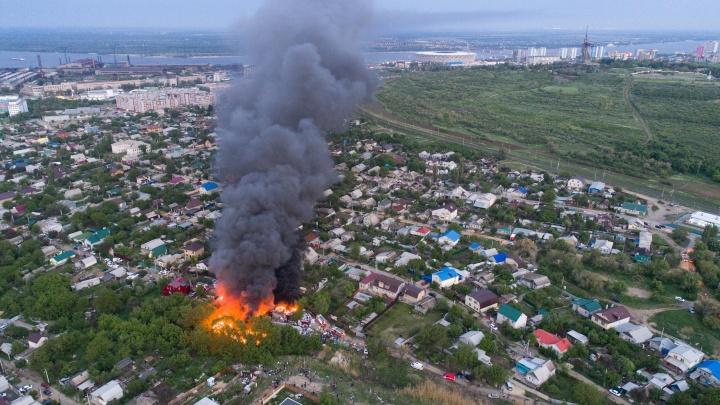 «Негде набрать воды»: пожарным было нечем тушить пожар у Мамаева кургана в Волгограде