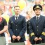 Перед матчем «Крылья Советов» — «Урал» в Екатеринбурге чествовали экипаж самолётаA321