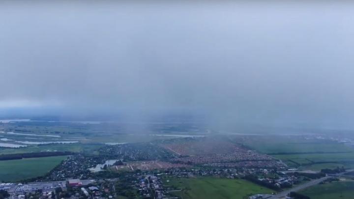 Видео дня.Парим над Нижним Новгородом в облаках