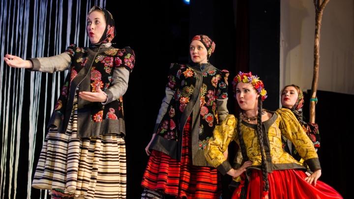 Открытие катка, фестиваль тюменского кино, новогодняя ярмарка и ещё 17 идей для выходных