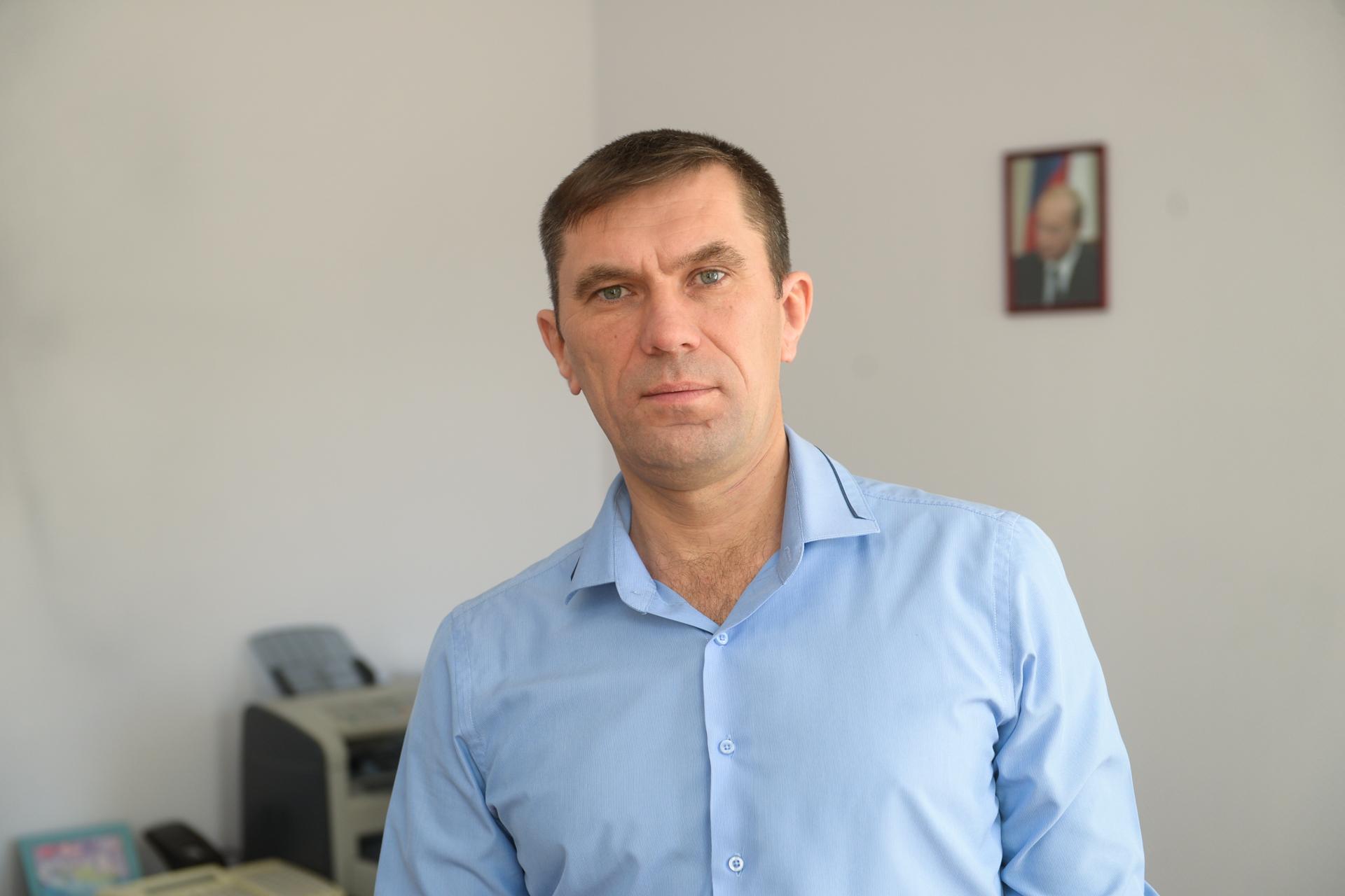 По словам генерального директора птицефабрики Максима Максимова, сегодня на предприятии трудится более 900 человек