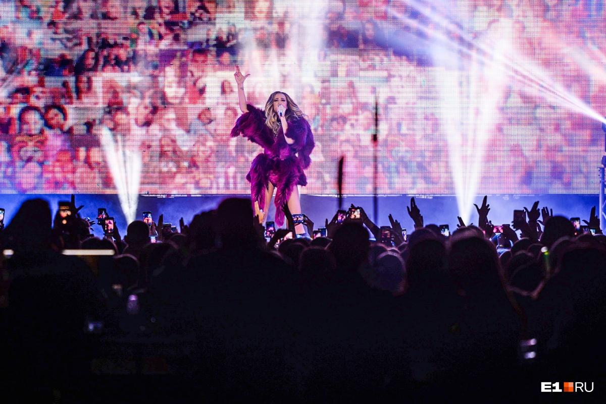 Ждите влог с концерта на E1.RU!