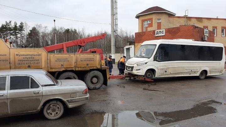 Бомж у руля: компанией, перевозившей нижегородцев в Дзержинск, руководит бездомный