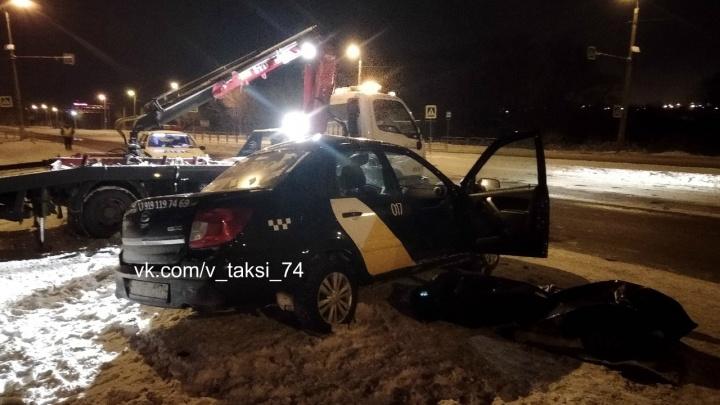«Недалеко от поста ГАИ»: в Челябинске в ДТП с «Яндекс.Такси» погиб человек