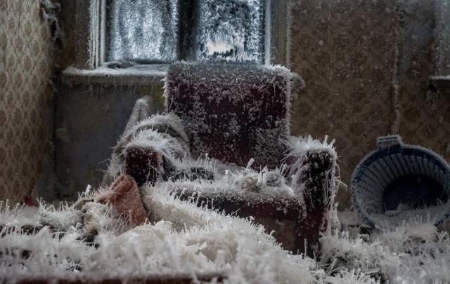 Трон из барака Снежной королевы стал лучшим фото дня января на Е1.RU