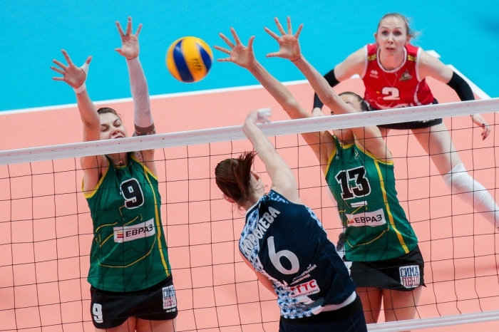Уральские волейболистки взяли только вторую из четырех партий