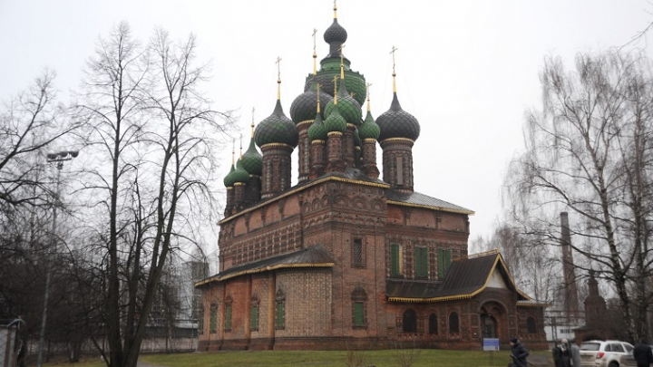 В Ярославле подсветят пятнадцатиглавый храм с тысячерублёвой купюры