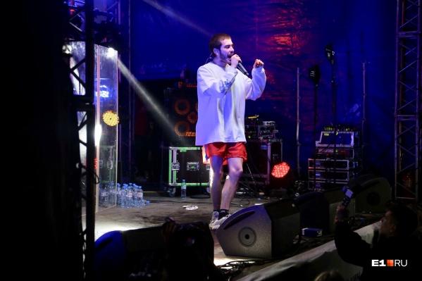 Хаски не закончил выступление на фестивале