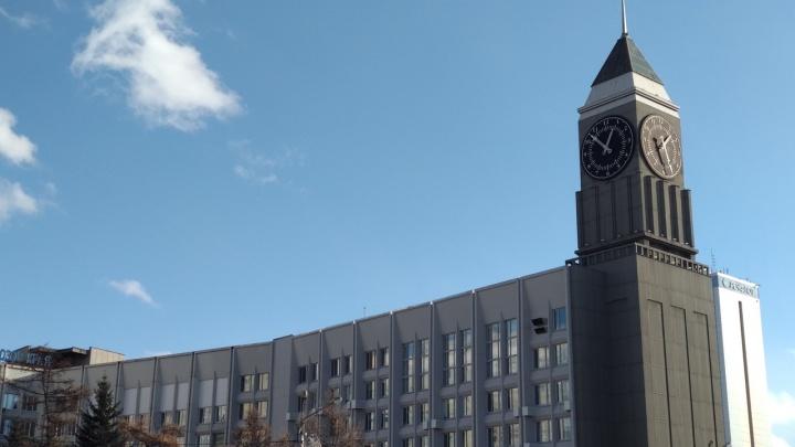 Второй раз за месяц в Красноярске сломались главные часы