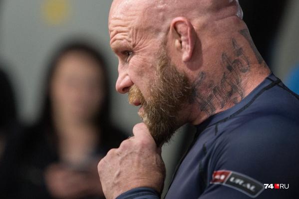 Сломанные уши — обязательный атрибут профессиональных борцов