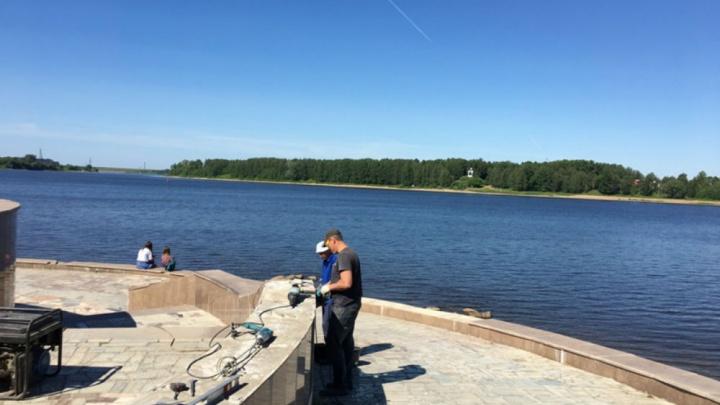 На ремонт набережной, которую разгромили рыбинские вандалы, потратят более 600 тысяч рублей