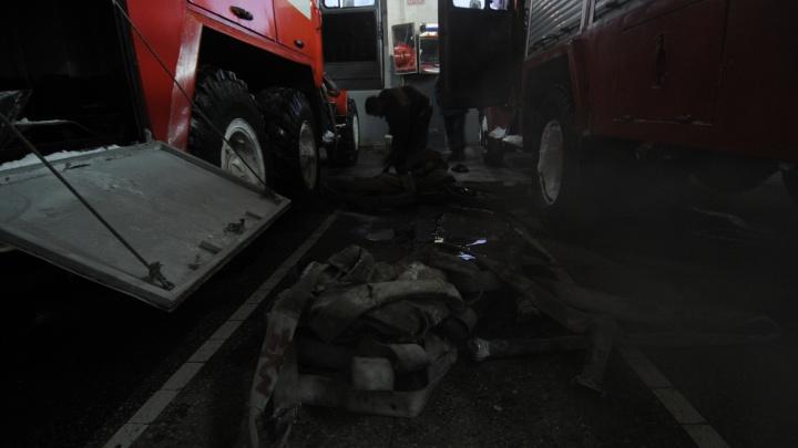 На Ударной загорелась квартира в панельной многоэтажке: есть пострадавшие