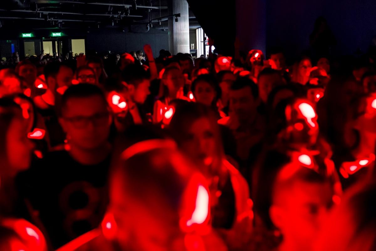 Продюсер, который продвигает российских певцов за границей, устроит концерт в Ельцин Центре