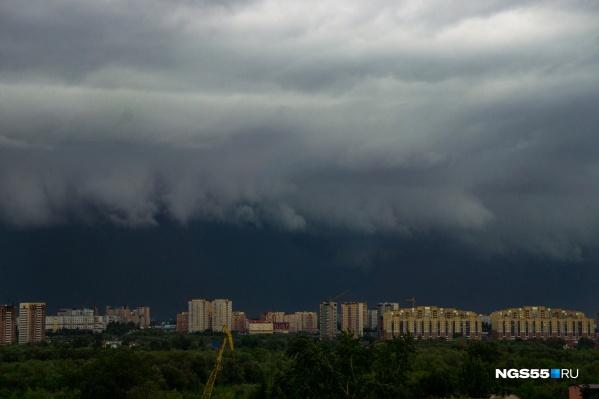 Порывы ветра в Омской области будут особенно сильными