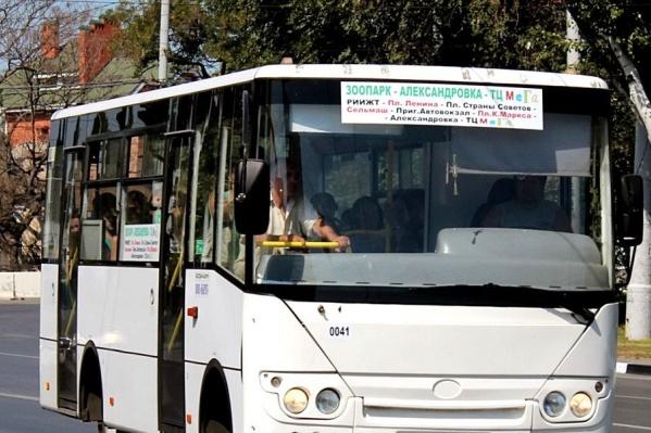 Автобусы несколько часов стояли на конечной остановке