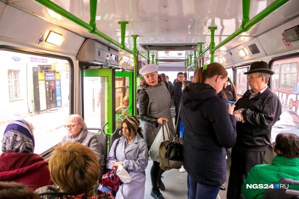 В автобусах меняют терминалы для оплаты