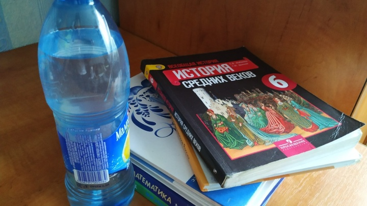 Что пьёт ребёнок в школе? Роспотребнадзор предложил зауральцам присмотреться к питьевым фонтанчикам