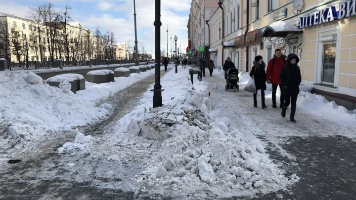 Разгребаем вместе: 6 вопросов мэрии об ужасной уборке снега в Екатеринбурге