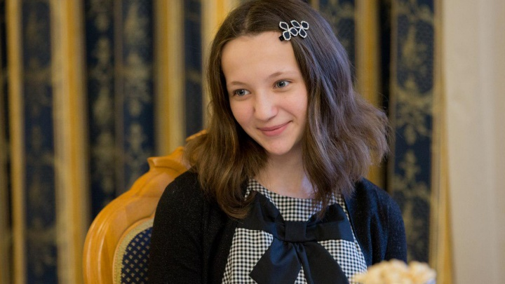 Южноуральской девочке подарили мишку и ноутбук за спасение провалившейся под лёд подруги