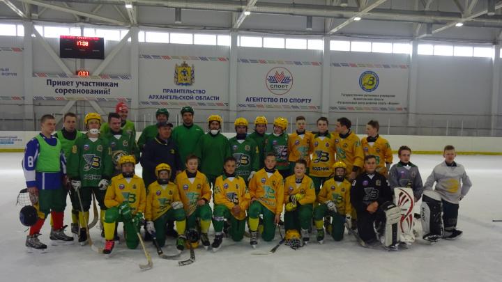 Юноши «Водника» одержали две победы на Кубке мира по хоккею с мячом в Швеции