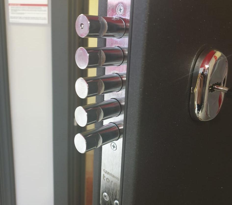 Выгодно и надежно: уральцам предложили входные двери, которые не сможет открыть даже изощренный вор