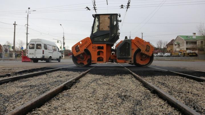 Улицу Ангарскую в Волгограде сузят ради ремонта рельсов