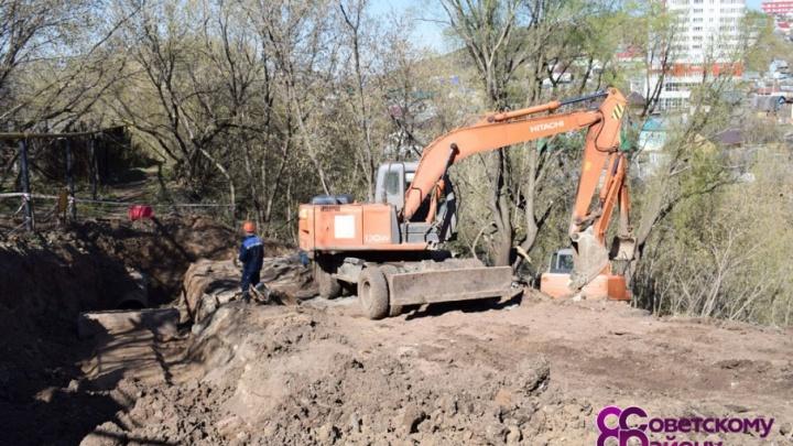 В центре Уфы восстанавливают канализационный коллектор